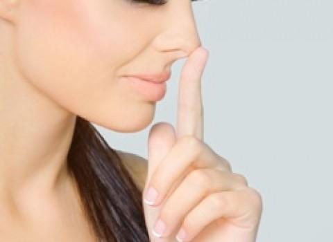 Визажисты рекомендуют! Как уменьшить нос с помощью макияжа?